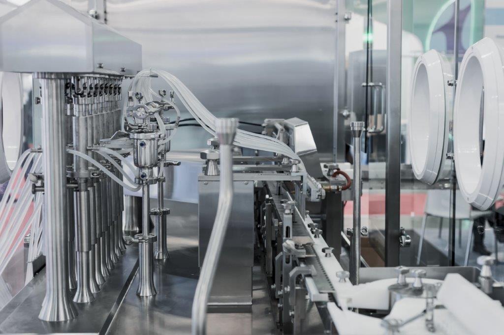 Procédé aseptiques et isolateur de remplissage dans l'industrie pharmaceutique